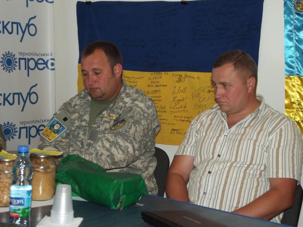 Військові в АТО смакують тушонкою з Шумська