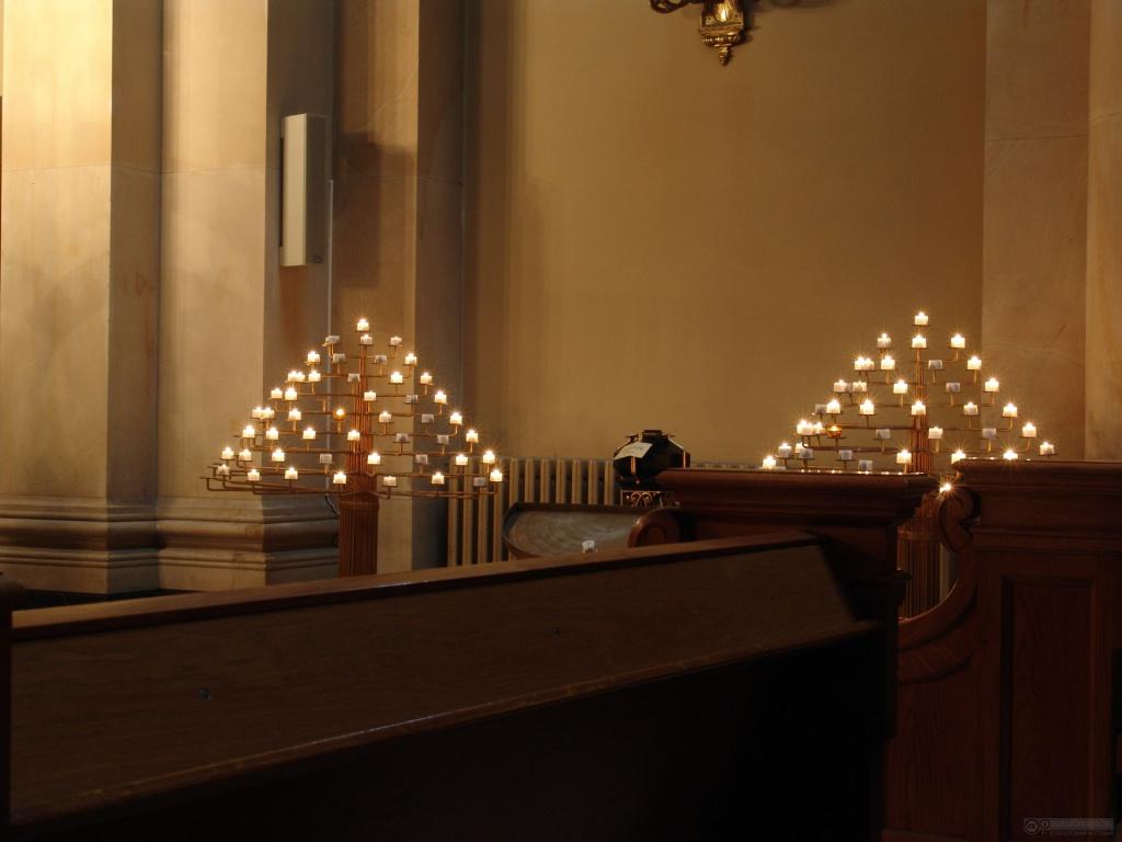 Скільки коштують церковні свічки?