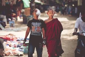 Молодий монах та його рідний брат