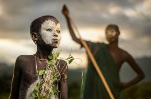 Хлопчина з племені Сурі