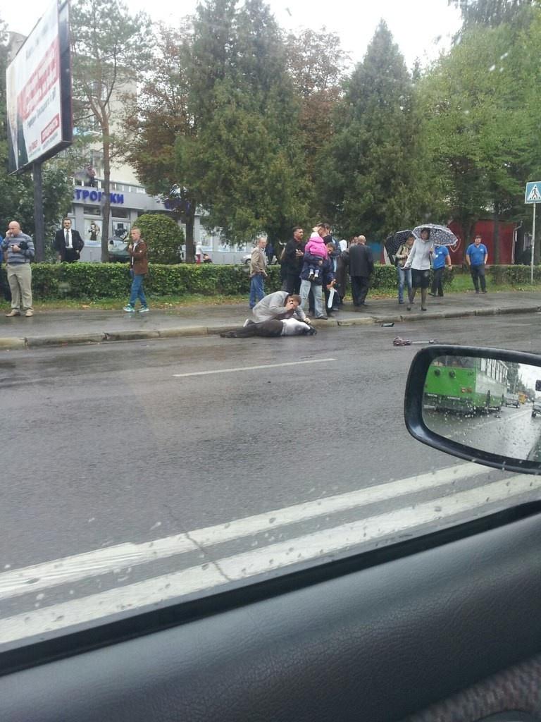 У Тернополі автівка збила двох людей