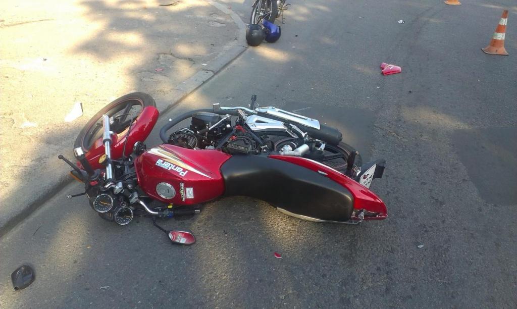 Не розминулася іномарка й мотоцикл