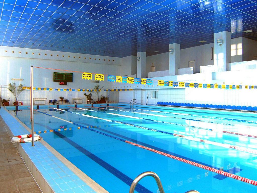 Чи потрібний касовий апарат підприємствам,що продають абонементи на відвідування басейну?