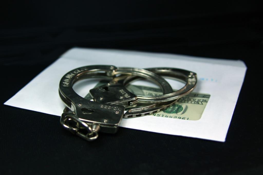 Судитимуть шахраїв, які поклали у свої кишені мільйон