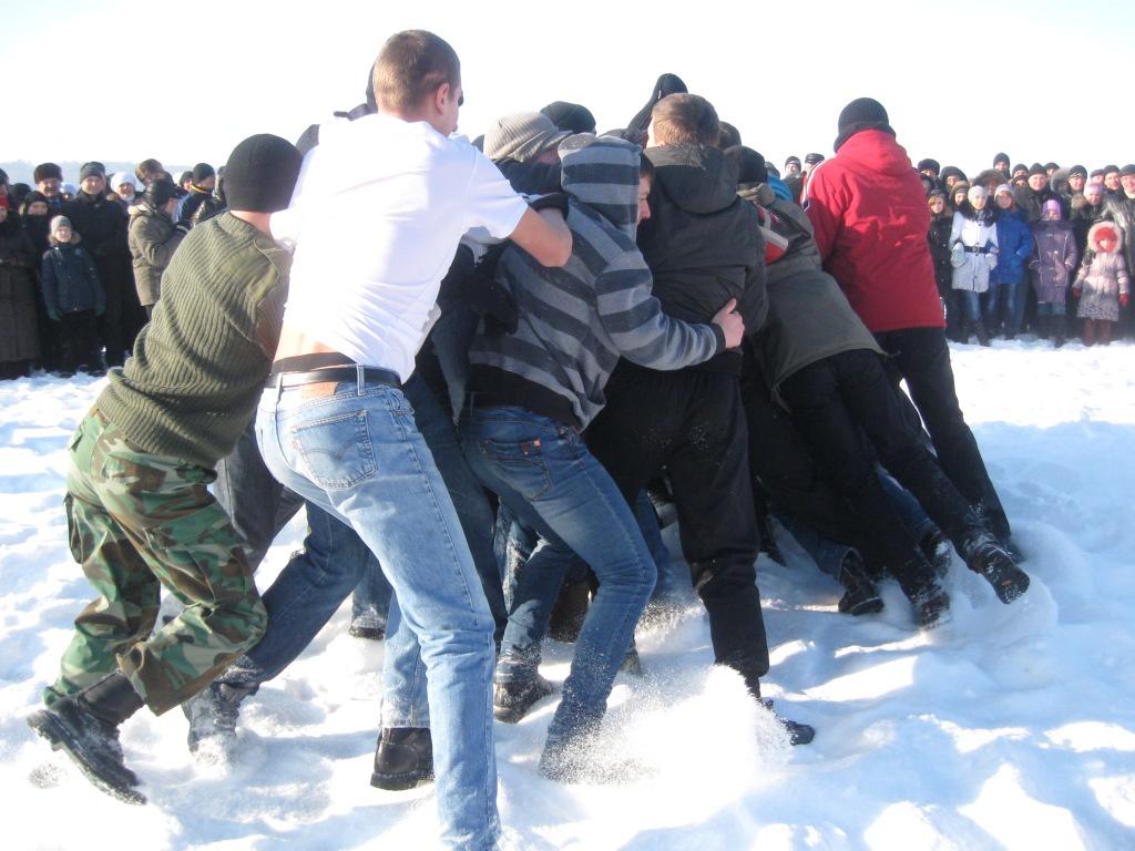 Увага: прокуратура розшукує очевидців побиття громадян поблизу храму на Кременеччині