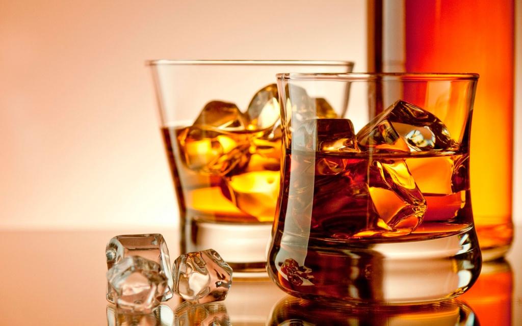 Торгові точки з реалізації алкоголю знаходяться в різних містах:куди платити акциз та плату за ліцензію?