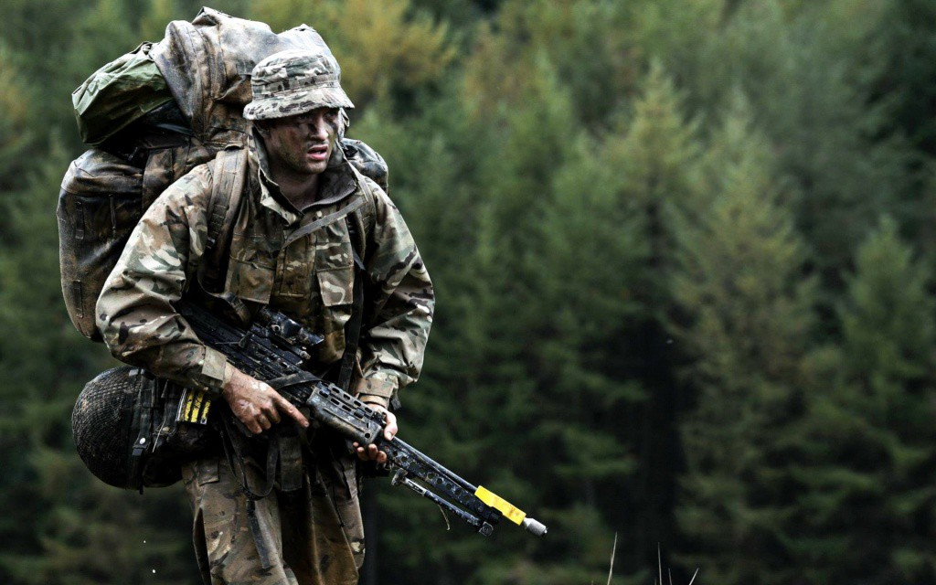 1920x1200_british-army-soldat-oruzhie