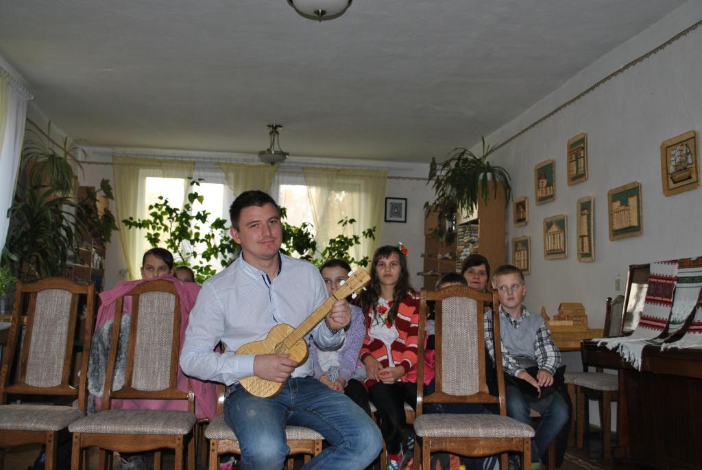 У Теребовлі відкрито виставку Мар'яна Вархоліка