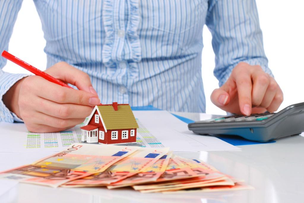 Фірма придбала житлову нерухомість. Коли платити податок та звітувати?
