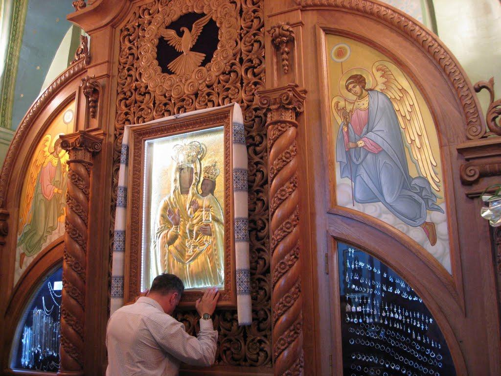Зарваниця на іконі Покровительки Європи