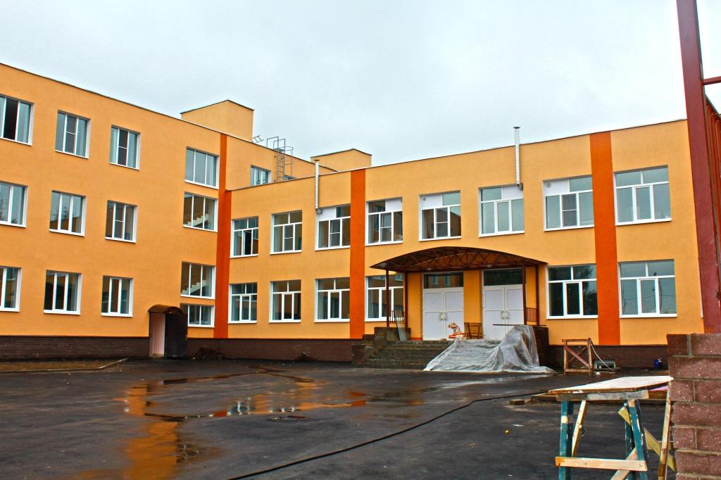 Школа дивиться на світ новими вікнами!