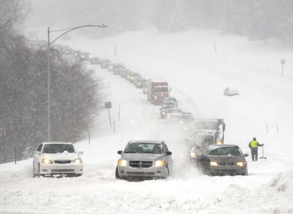 Синоптики попереджають про сильні снігопади
