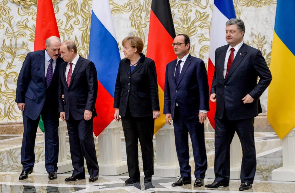 Після переговорів по Донбасу у Мінську скасували прес-конференцію. Нічого сказати?