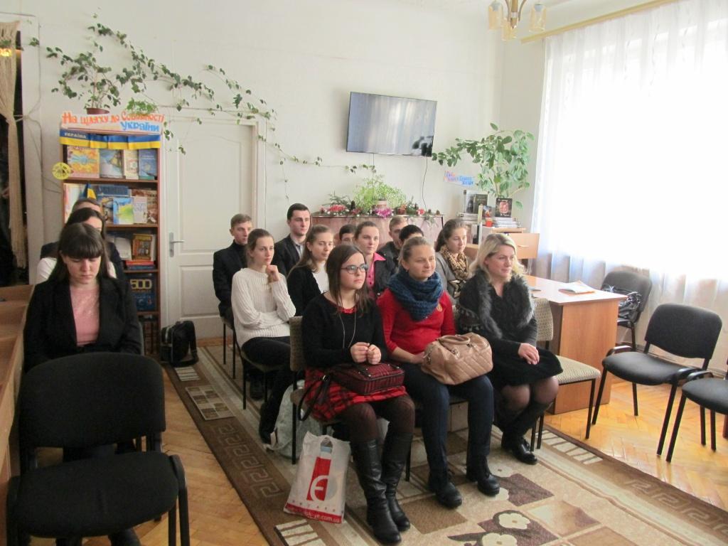 Школярам у Тернополі представили «азбуку кримінального права»