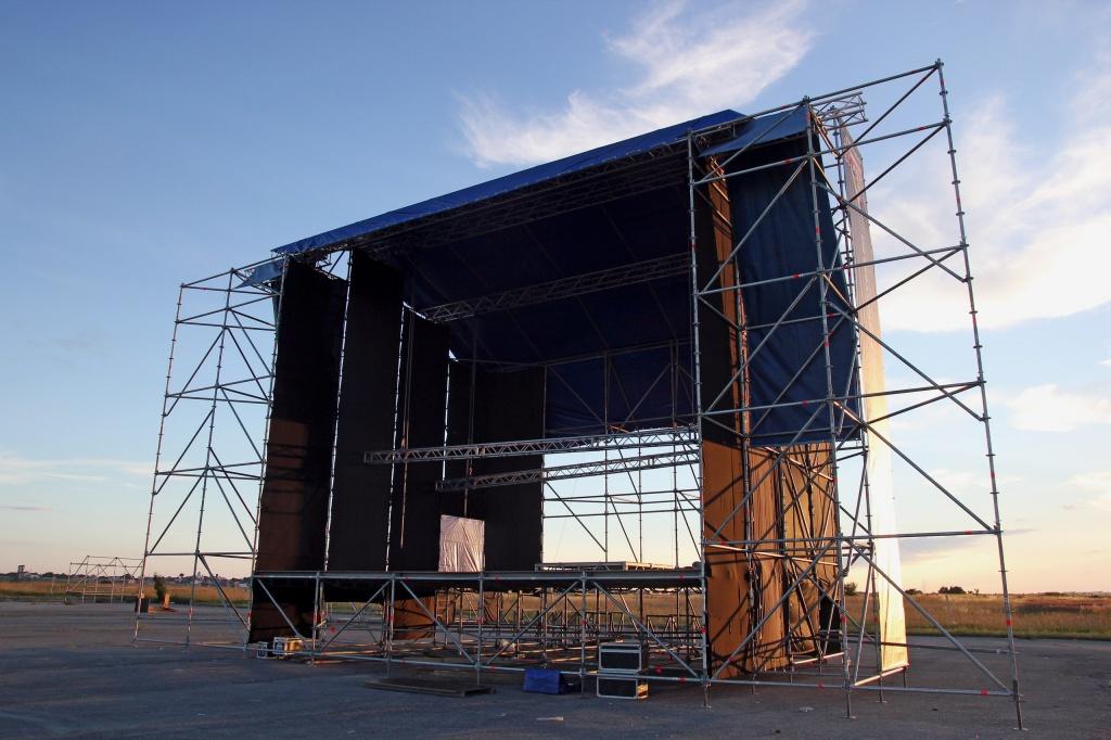 Головна сцена фестивалю «Файне Місто» матиме вагу 80 тонн