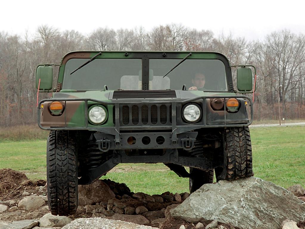 Україна закупила в США броньовані HMMWV