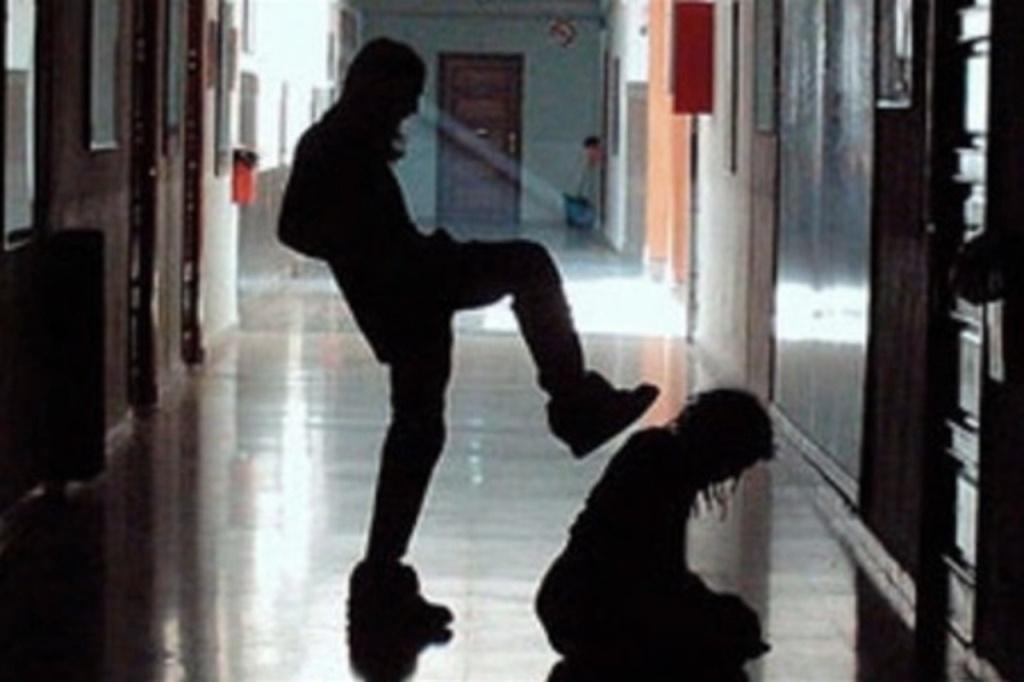 Непедагогічні педагоги, або Дещо про учительське насильство