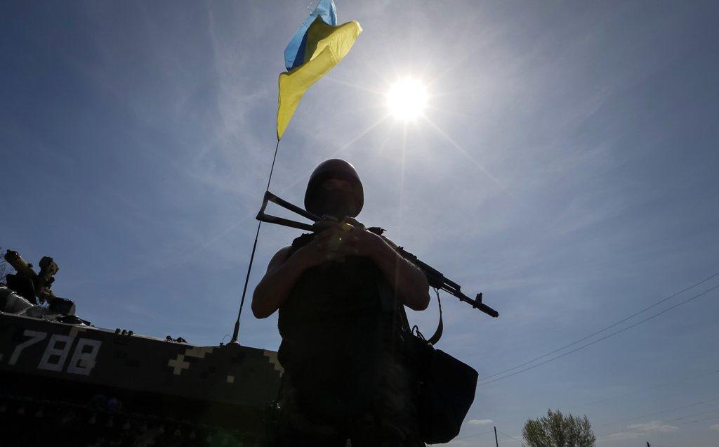За добу на Донбасі поранили 6 українських військових