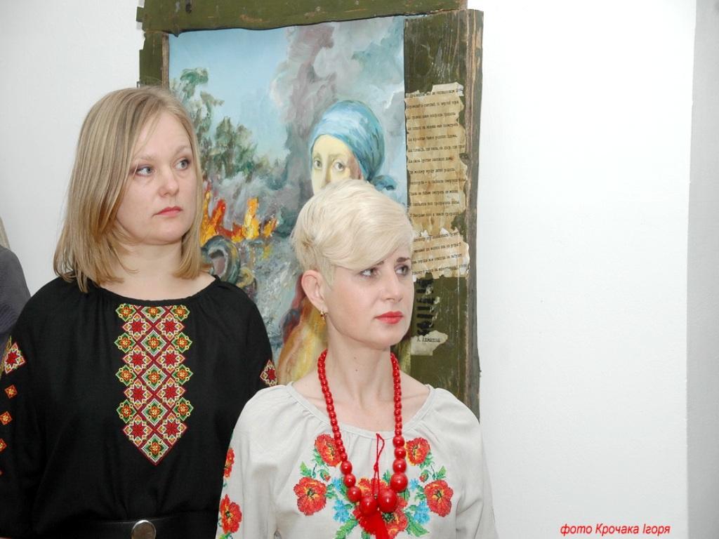 У Тернополі діє виставка «Маріуполь на межі»