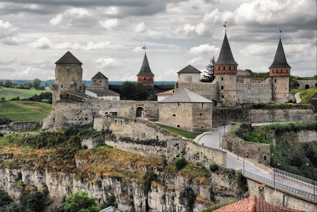 У Кам'янці-Подільському археологи знайшли вежу, яка 200 років була під землею