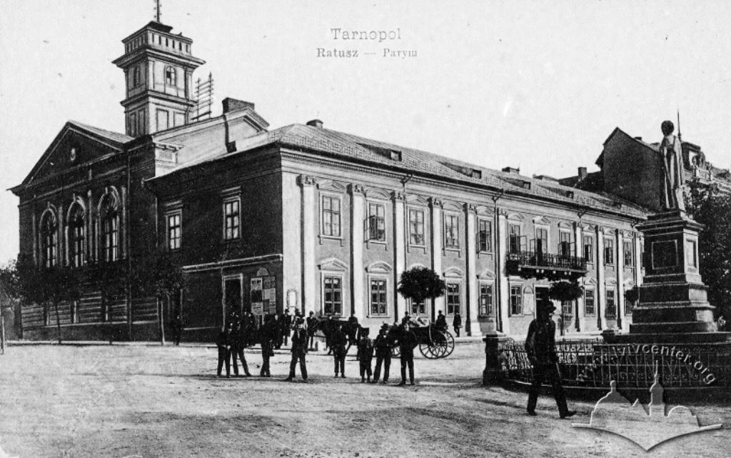 Що буде на місці колишньої ратуші в Тернополі?