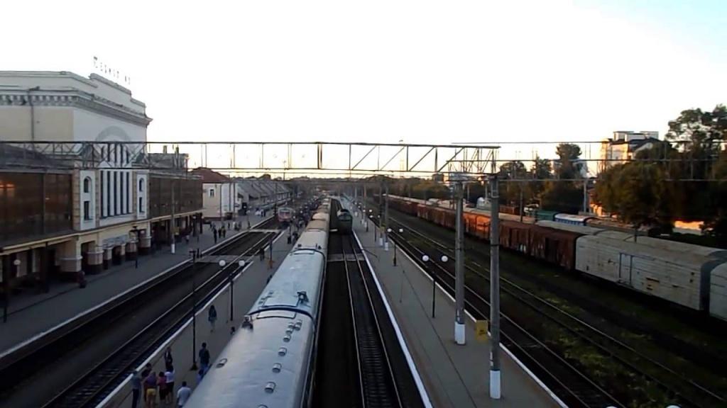 На Покрову —  додаткові потяги
