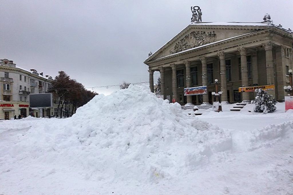 Тернопільщину паралізував аномальний снігопад
