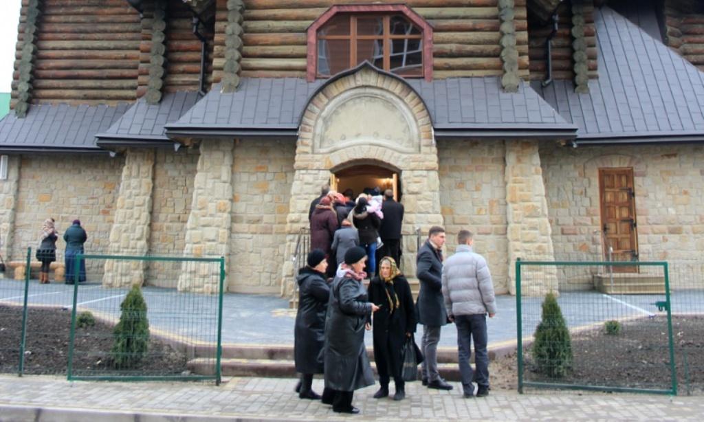 Допомогу бійцям АТО збирають у церквах