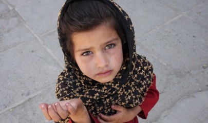 Afghan_girl_begging