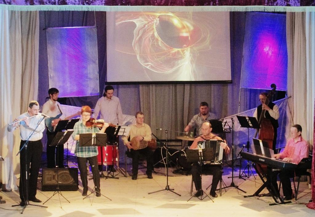 Бучацький ансамбль присвятив концерт усім Оксанам