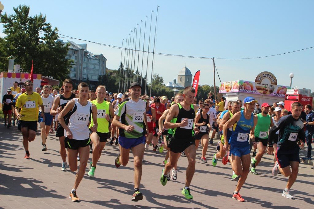 170 плюс один бігун узяли участь у цьогорічній «Тернопільській озеряні»