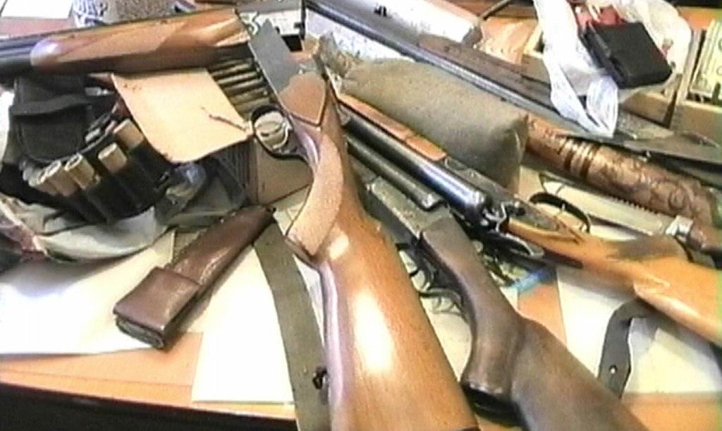 Тернопільські поліціянти вилучають незареєстровану зброю