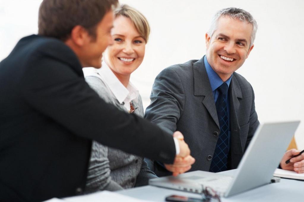 Про прийняття працівника на роботу потрібно повідомити наперед