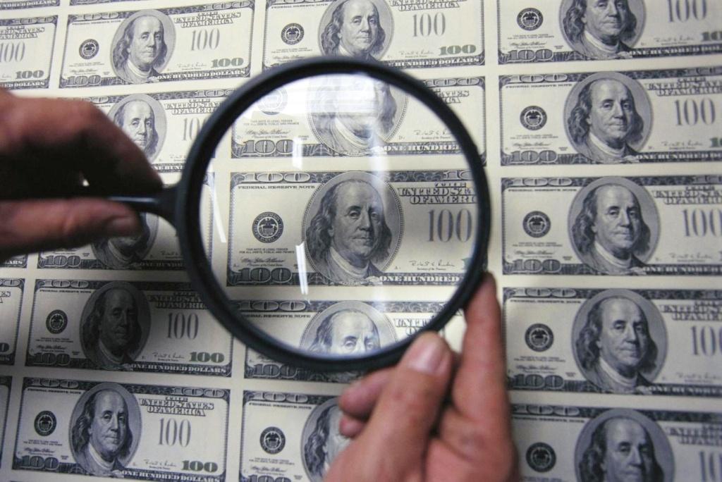 На Тернопіллі розповсюдили фальшиві долари