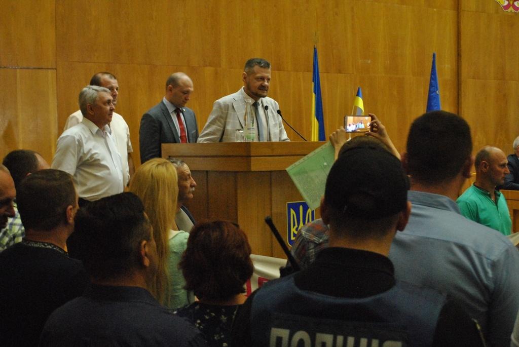 На сесії Тернопільської обласної ради побилися депутати