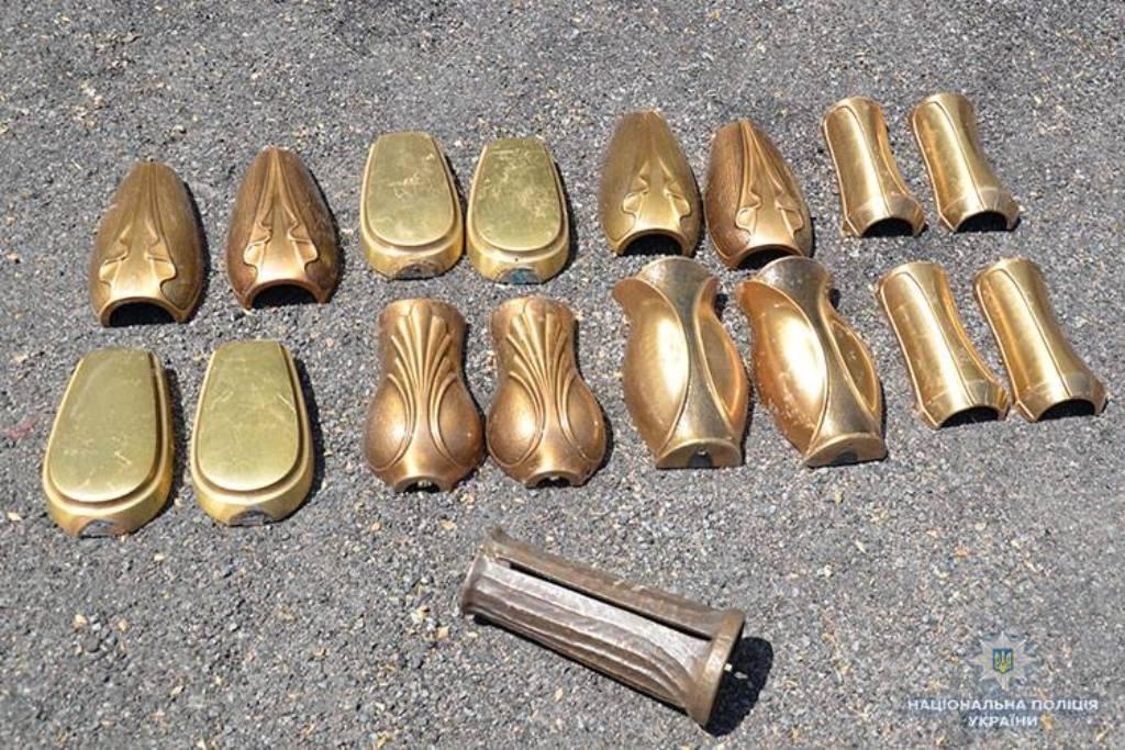 Тернопільські поліціянти знайшли вандала з Микулинецького цвинтаря