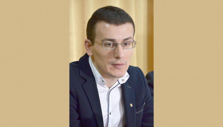 Сергій ТОМІЛЕНКО: «В «Укрпошті» — тридцять два офіційних мільйонери»