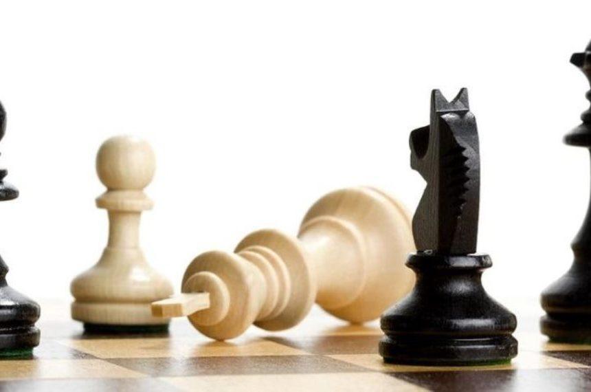 Від білих — шах турою