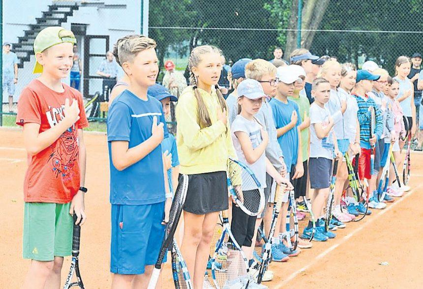 Тернопіль спортивний: у місті відкрили тенісні корти і два футбольні стадіони
