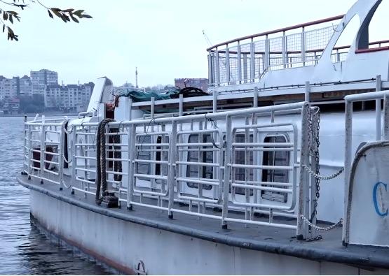 Весною на Тернопільському ставі курсуватиме новий теплохід «Сігма»