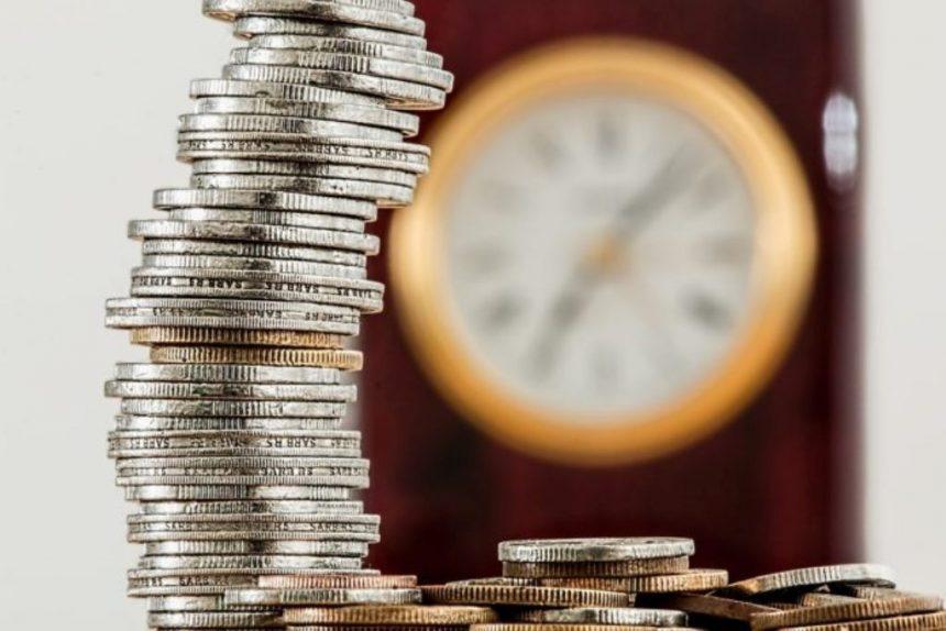 Обмежень для зберігання готівки із заробітної плати не існує. Але — протягом трьох робочих днів