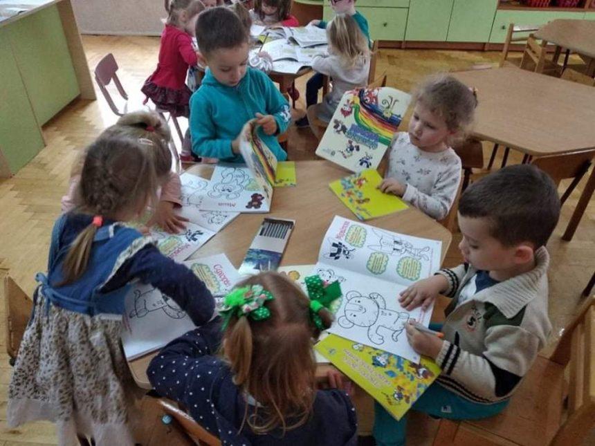 Олімпійський Дід Мороз подарунки дошкільнятам приніс