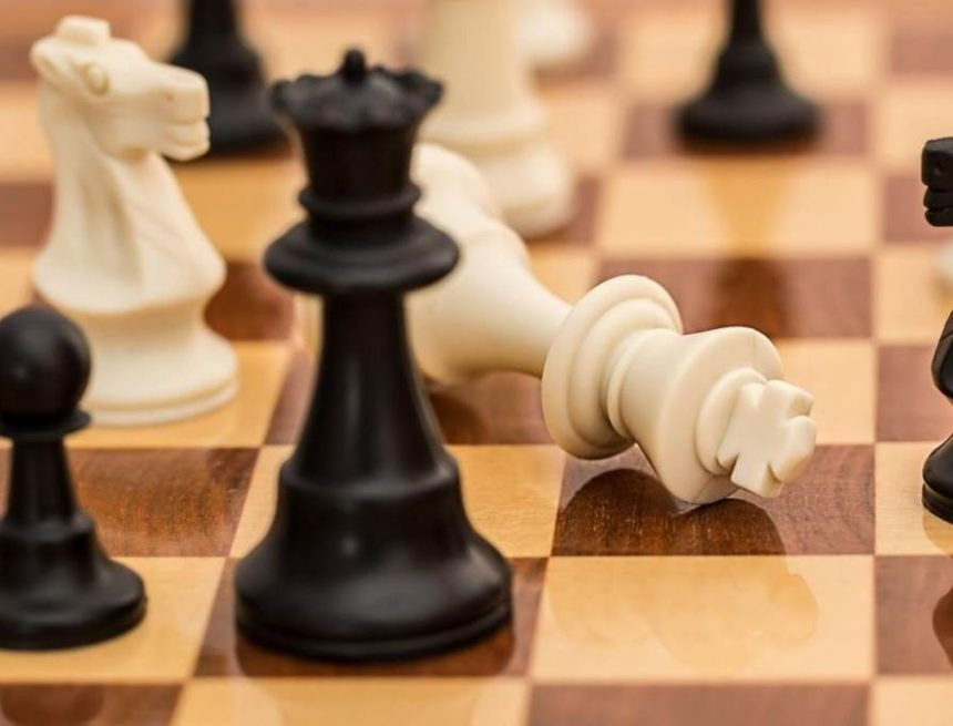 …І постали перед королем три шляхи-дороги