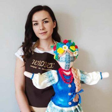 Красива і… смачна лялька-мотанка із Заліщиків