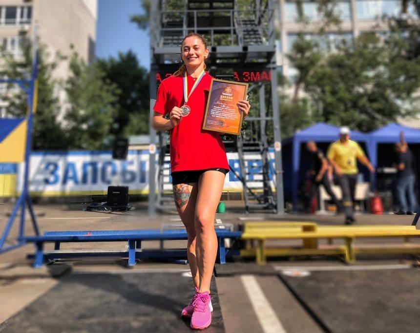 Змінила вишиванку на форму. Тернополянка Наталя Тяжола — у трійці найсильніших рятувальниць України