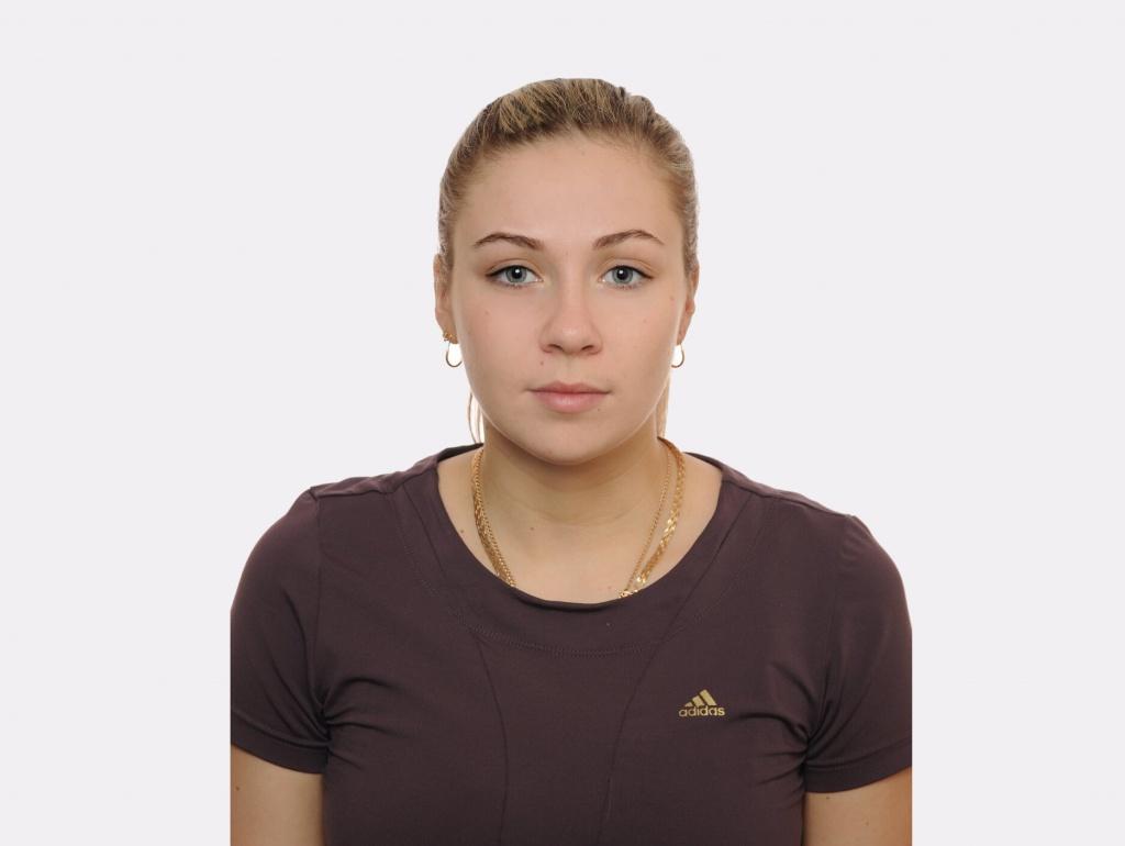 Вікторія Дельрос перебралася в Канни