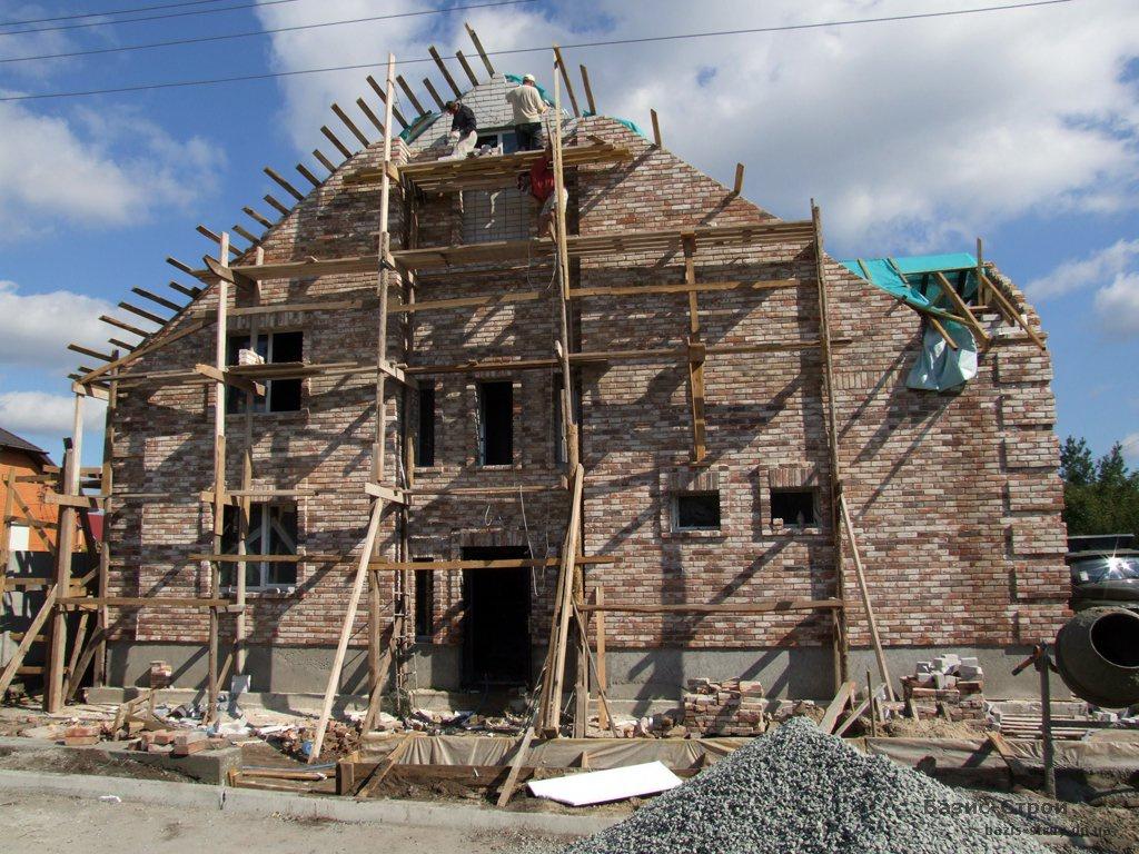 За документами — реконструкція незавершеного будівництва, по факту — знесена будівля