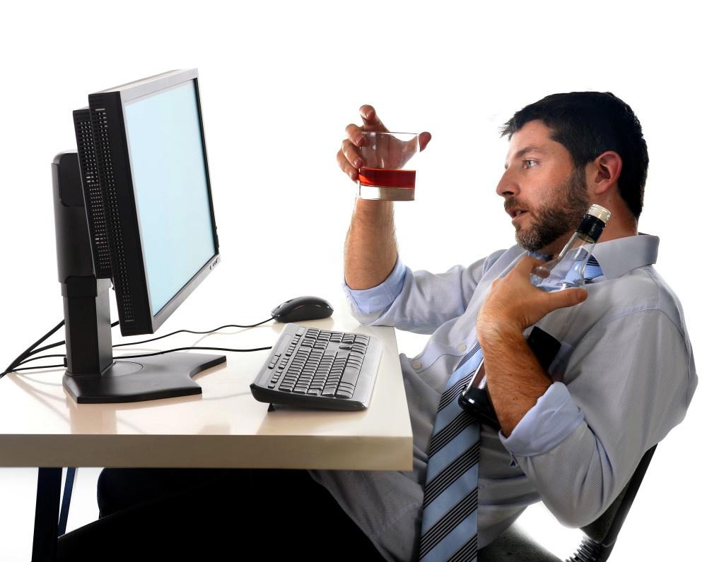 Чи можна торгувати алкогольною продукцією через інтернет-магазини?