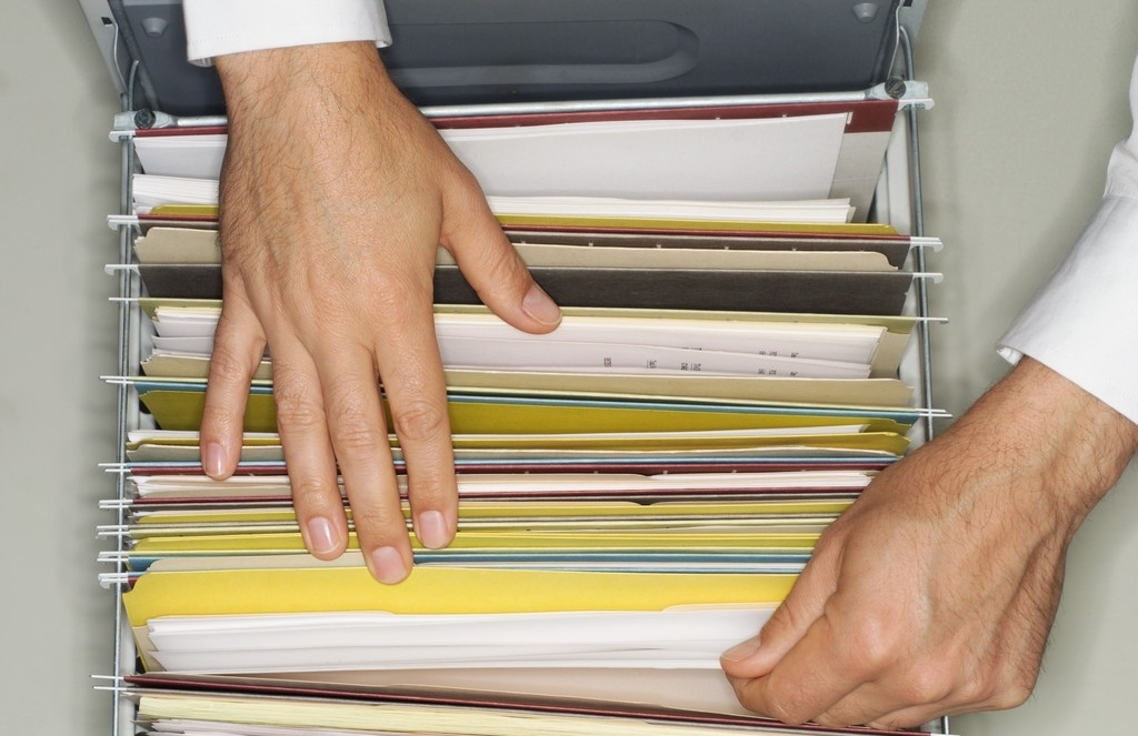 Документи необхідно зберігати