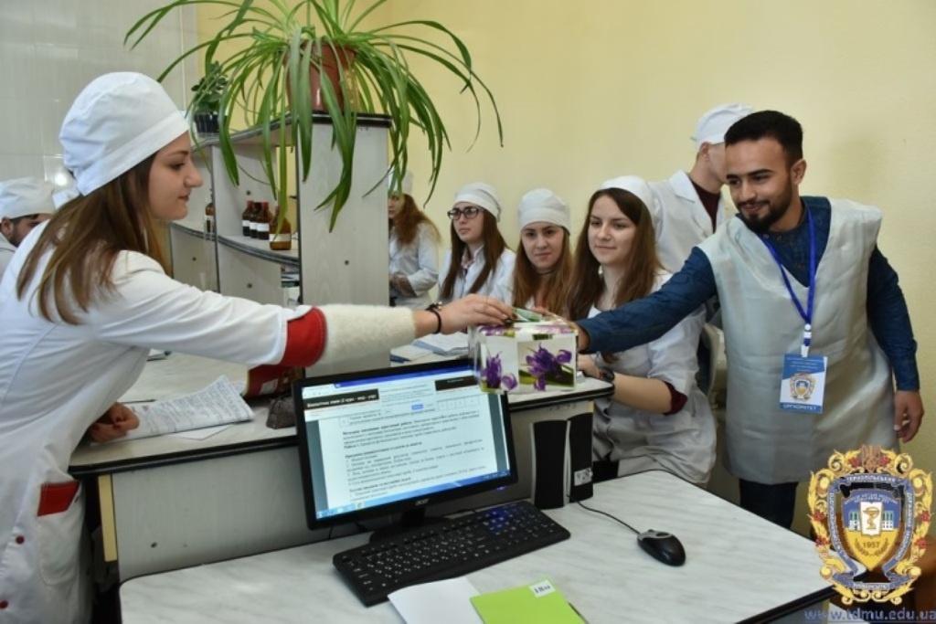 Тернопільські студенти-медики започаткували благодійну акцію
